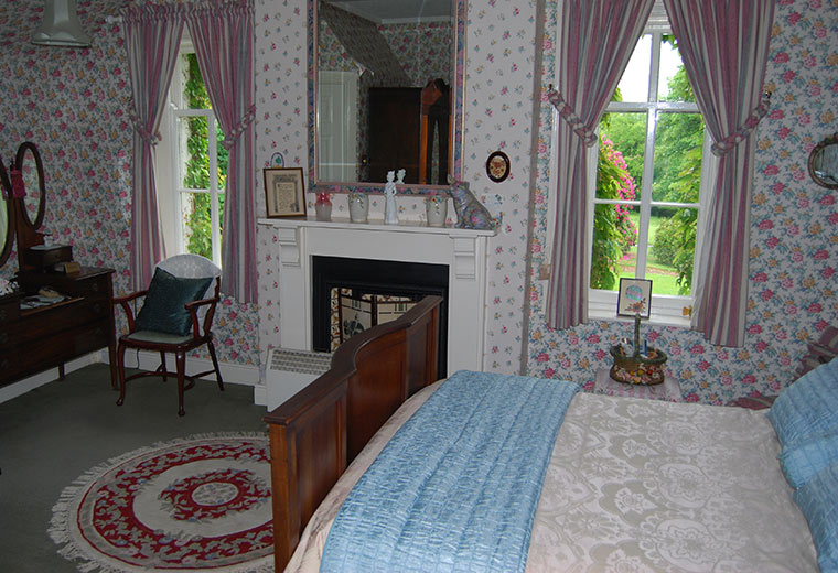 Louises Room 1